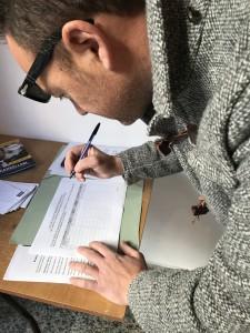 Raccolta firme, rifacimento  Viale della Vittoria Grotte (AG)